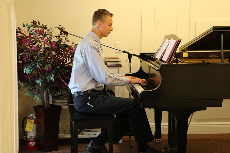 djones-piano